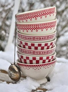 Love these red and white bowls