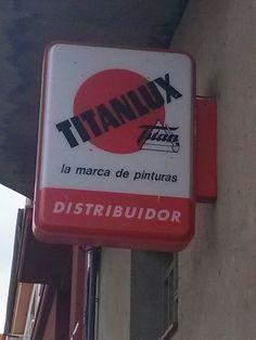 Distribuïdor de Titanlux a Sant Pere Pescador. La marca de pintures amb la llum dels titans #illargonauta
