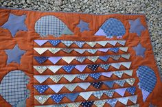 hedgehog quilt with prairie points