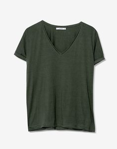 Basic V-neck T-shirt - T-shirts - Clothing - Woman - PULL&BEAR Colombia
