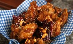 WILL TRY!!! Maangchi's crispy and crunchy Korean fried chicken - it looks super easy...except for the double frying part. And I love fried peanuts!! Yum!!!