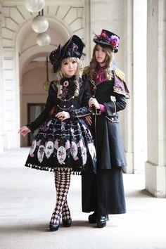 Alice in Wonderland Lolita Quirky Fashion, Lolita Fashion, Kawaii Fashion, Gyaru Fashion, Asian Fashion, Visual Kei, Mode Lolita, Lolita Style, Goth Style