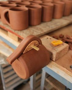 Excellent Absolutely Free Ceramics pottery techniques Ideas A moment stolen during handle attachment the other day. There are many components to the process, e Pottery Tools, Pottery Classes, Pottery Mugs, Ceramic Pottery, Slab Pottery, Ceramic Techniques, Pottery Techniques, Ceramic Tools, Ceramic Cups