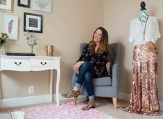 Shawna uses the Poshmark app to be able to stay at home with her daughter and get back in touch with her fashion roots. Tune into the blog to see her secrets to selling success - and how you can do it, too!