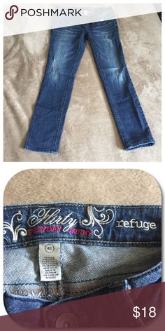 Skinny Jeans Refuge flirty everyday skinny jeans. Women's size 4S. Partially distressed. 35 inches long. 27 inch inseam. refuge Jeans Skinny