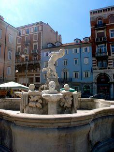 Piazza Ponterosso, Trieste  ©Oriana Poindexter Photography  www.cargocollective.com