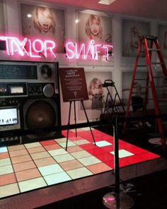 Sneak Peek of the Taylor Swift Grammy Museum Experience! Located downtown near the Staples Center.