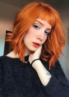Vintage Hairstyles With Bangs 35 Edgy Hair Color Ideas to Try Right Now - Looking to give your hair an edge? Then check out these 35 edgy hair color ideas to try and get inspired! Edgy Haircuts, Haircuts With Bangs, Red Hair With Bangs, Auburn Hair, Grunge Hair, Mode Inspiration, Hair Highlights, Dyed Hair, Pixie