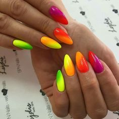 The advantage of the gel is that it allows you to enjoy your French manicure for a long time. There are four different ways to make a French manicure on gel nails. Neon Nail Art, Neon Nail Polish, Neon Nails, My Nails, Summer Nails Neon, Cute Nails, Pretty Nails, Neon Nail Designs, Nails Design