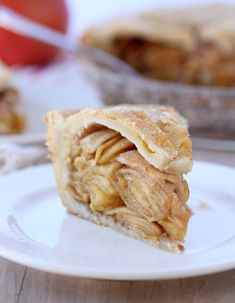 Chai Apple Pie- I have to make this for thanksgiving dinner.... Screw that, I'm making it tomorrow! This looks soooooo good!