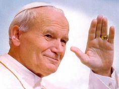 Uno de los papas más queridos, Juan Pablo II, ha sido canonizado hoy en la Ciudad del Vaticano ju...