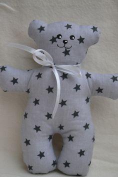 Medvídek Mrňousek / Zboží prodejce jijinkuvsvet | Fler.cz Pillows, Cushions, Pillow Forms, Cushion, Scatter Cushions