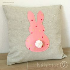 Tipps | 10 tolle Nähideen für Ostern - greenfietsen.de Easter, Throw Pillows, Diy, Couture, Projects To Try, Happy Easter Day, Easter Gifts For Kids, Kids Pillows, Toss Pillows
