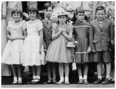 childrens fashion from 1930s - Boys wore overalls and knickeboxers commonly. Girls dresses inspired by Shirley Temple.