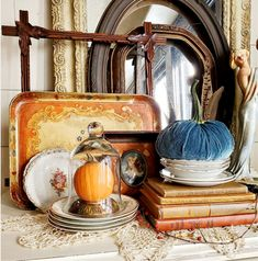 Follow The Yellow Brick Home - Enjoying October's Arrival at Thursday Favorite Things – Follow The Yellow Brick Home Fall Vignettes, Vintage Vignettes, Vintage Books, Vintage Fall, Unique Vintage, Round Marble Table, Teal Background, Blue Tones, Season Colors