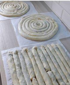 Bugun de Carsaf boregi yapilir – Sandviç tarifi – Las recetas más prácticas y fáciles Appam Recipe, Empanadas, Iftar, Apple Pie, Food And Drink, Meals, Cooking, Desserts, Image
