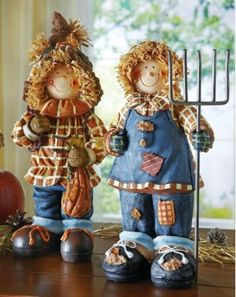 Harvest Scarecrow Couple - Fall Decorations