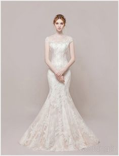 Wedding Dress Sleeves, Modest Wedding Dresses, Bridal Dresses, Wedding Dress Trends, Wedding Dress Styles, Wedding Photography Styles, Beautiful Gowns, Bride, Weddings