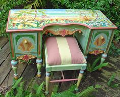 Painted Furniture: Desk with chair. Sissi janku
