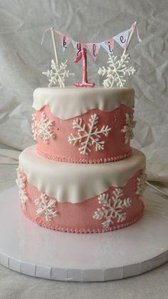 Winter Onederland Cake Royal Icing Snowflakes Buttercream With Fondant Snow Bunt – Geburtstagskuchen Winter Wonderland Birthday, Winter Birthday, First Birthday Cakes, Girl First Birthday, First Birthday Parties, Birthday Ideas, Winter Onederland, Snowflake Cake, Twins 1st Birthdays