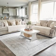 Recamier: know what it is and how to use it in decoration with 60 ideas - Home Fashion Trend Beige Living Rooms, Living Room Area Rugs, Living Room Modern, Home Living Room, Living Room Decor, Cream And White Living Room, Dining Room, Interior Design Living Room, Living Room Designs
