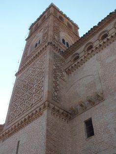 Torre mudejar de la Iglesia de La Asunción en El Piquete. Quinto, Zaragoza. Spain.  [By Valentín Enrique].