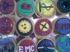 Physics cupcakes1.jpg