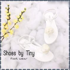 N E W  A R R I V A L S  H O T  J A N U A R Y  ::::::::::::.......Sandal Hoa hồng (New) .......:::::::::::::: - Màu: như hình - Size: 35-36-37-38-39 - Giá: 140.ooo VND ----------------------------------------- HÀNG ORDER (chốt đơn vào T6 hàng tuần)  T7 hoặc CN hàng về. - CAM ĐOAN HÀNG CHẤT LƯỢNG HÌNH THẬT 100%- FREE SHIP nội ô Trung tâm TP.CẦN THƠ (Q.NINH KIỀU) khi mua với hóa đơn trên #100k - (trên các tuyến): Giờ ship hàng (4h30 chiều đến 6h30 tối) - Lý Tự Trọng Trần Hưng Đạo Mậu Thân Đại…