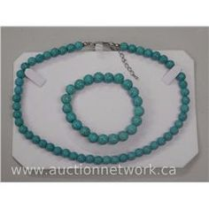 Turquoise Bead Necklace and Bracelet Set.