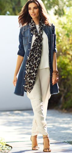 An Awesome fall outfit! Dazzle in denim: The ultimate layer—wear it as a show-stopping jacket or a chic tunic. Over 50 Womens Fashion, 50 Fashion, Fashion Over 40, Autumn Fashion, Fashion Looks, Fashion Outfits, Fashion Trends, Beige Hose, Chicos Fashion