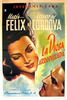 Maria Felix en La Diosa Arrodillada