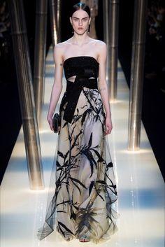 Sfilata Giorgio Armani Privé Parigi - Alta Moda Primavera Estate 2015 - Vogue