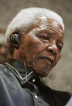 """""""Je suis le maître de mon destin, je suis le capitaine de mon âme"""" : Nelson #Mandela est mort #Madiba #Invictus"""