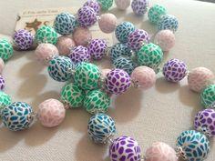 Bracciali e orecchini in fimo con perle effetto mosaico Sul blog il tutorial fotografico per fare le perle http://ilfilodelleideehandmade.blogspot.it/2014/07/bracciali-e-orecchini-in-fimo-con-perle.html