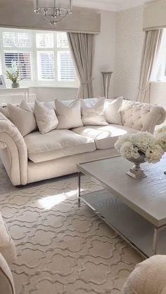 Decor Home Living Room, Glam Living Room, Elegant Living Room, Living Room Colors, Room Decor Bedroom, Cream Living Rooms, Home Decor, Cozy Living, White Living Room Furniture