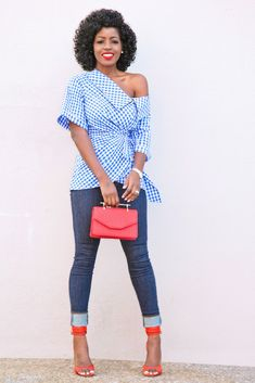 """""""Gingham wrap top + high waist Levi's"""" 