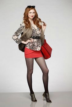 There Are New Pics of Karen Gillan in ABC's 'Selfie' - See Them Here!: Photo Karen Gillan just won't take no for an answer from John Cho in this new still from ABC's upcoming Selfie. Karen Gillan, Karen Sheila Gillan, Sexy Outfits, Pantyhosed Legs, Style Feminin, All Jeans, Beautiful Legs, Beautiful Celebrities, Sexy Legs