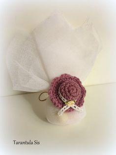 Baptism favor. Crochet mini summer hat. Baptism Decorations, Baptism Favors, Summer Hats, Favours, Christening, Candles, Couture, Crochet, Candy