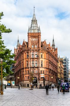 Nottingham is one of the most underrated cities in Britain, and it's worth a special trip.  #nottingham #architecture #england