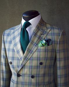 BOLD CHECK A little hint of green & blue never hurt anyone. This phenomenal KING & BAY Bold Glen Check Double Breasted Suit features a… King Fashion, Big Men Fashion, Mens Fashion Suits, Blazer Fashion, Men's Fashion, Mens Suit Vest, Mens Suits, Dapper Gentleman, Gentleman Style