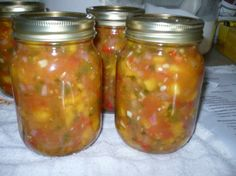 Salsa Peach Salsa from : An excellent salsa that goes well with fish dishes, or just as a snack with crackers.Peach Salsa from : An excellent salsa that goes well with fish dishes, or just as a snack with crackers. Chutneys, Peach Salsa Recipes, Peach Salsa Recipe For Canning, Canned Peaches, Sweet Red Pepper, Home Canning, Canning Recipes, Jam Recipes, Fruit Recipes