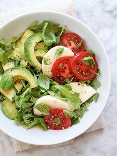 Healthy Avocado Caprese Salad plus 5 more avocado salad recipes. Pin now, check… Avocado Recipes, Salad Recipes, Diet Recipes, Vegetarian Recipes, Cooking Recipes, Healthy Recipes, Avocado Salads, Vegetarian Options, Simple Recipes