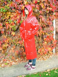 PVC RAINCOAT MAC FULL LENGTH SHINY RED & SHINY BLACK SMALL-2XL HOOD POCKETS PA3