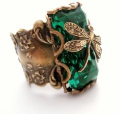 Emerald Forest Dragonfly Ring with green glass stone by Federikas