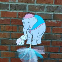 1 Disney Dumbo & Mom Themed Cake Topper or Centerpiece Pick Dumbo Baby Shower, 2nd Baby Showers, Baby Shower Brunch, Baby Shower Fun, Baby Shower Gender Reveal, Baby Shower Themes, Shower Ideas, Dumbo Birthday Party, Circus Birthday