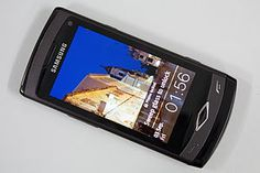 Apple Can't Add Galaxy S4 to Samsung Patent Lawsuit    Apple Inc. (AAPL) lost its bid in a lawsuit to add Samsung Electronics (005930) Co.'s Galaxy S4 smartphone to a list of products it alleges to infringe its patents. The decision yesterday by U.S. Magistrate Judge Paul S. Grewal is part of a second patent case in San Jose, California, between the companies covering technology in newer smartphones, including Apple's iPhone 5 and Samsung's Galaxy S III.