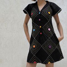 Vestido algodão bordado à mão