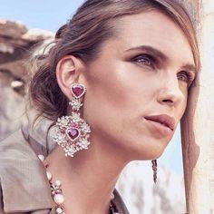 Doha Exhibition Center at the DJWE 2018- Qatar with our new luxury collection #goldesign #doha #djwe2018 @alfardanjewelry #goldesignbrazilianjewellery