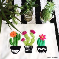 Cactus Embroidery, Hand Embroidery Stitches, Embroidery Applique, Cross Stitch Embroidery, Embroidery Designs, Embroidered Cactus, Sewing Art, Sewing Crafts, Sewing Projects
