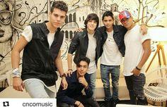 Los amo chicos, son los mejores del mundo ❤❤❤❤❤ Cnco Richard, Just Pretend, Latin Music, Ricky Martin, Funny Me, Boy Bands, Guys, Fan, American